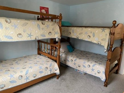 Mashpee, Popponesett Beach Cape Cod vacation rental - Twin Size Bunk Room