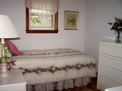 Great Sand Lakes, East Harwich Cape Cod vacation rental - Single bedroom