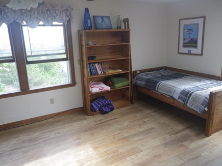 Sandwich Cape Cod vacation rental - Family Room With Twin Day Bed