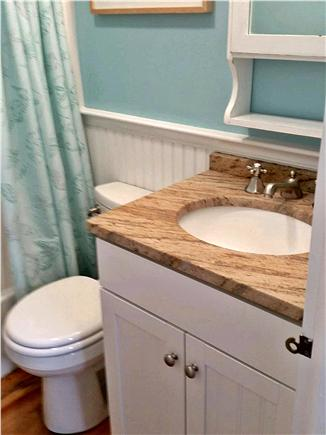 New Seabury, Mashpee New Seabury vacation rental - Upstairs Bathroom