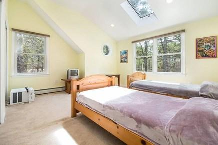 Wellfleet Cape Cod vacation rental - 2nd floor Twin Beds with TV