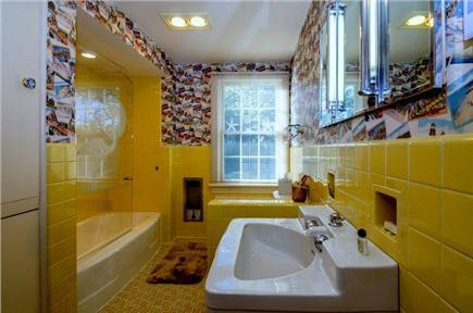 East Orleans Cape Cod vacation rental - Hall full bath serving Bedroom #2 and #3.