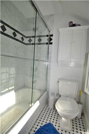 Sagamore Beach Sagamore Beach vacation rental - Second floor bathroom with tub enclosure