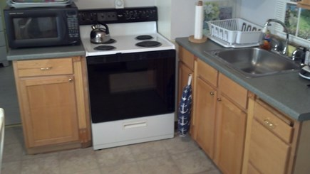 Mashpee, Monomoscoy - steps to water Cape Cod vacation rental - Kitchen