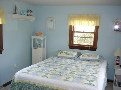 Mashpee, Monomoscoy - steps to water Cape Cod vacation rental - Master Bedroom