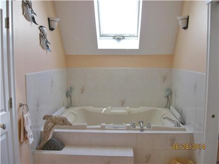 Yarmouth, Great Island Ocean Club, West  Cape Cod vacation rental - Master Bath Jacuzzi, also has walk in shower!