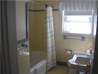 Falmouth Surf Drive Beach Cape Cod vacation rental - Full Bathroom