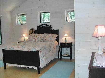 Wellfleet--Ocean Side Cape Cod vacation rental - The back bedroom