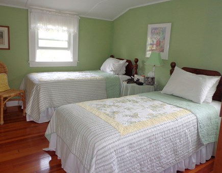 Falmouth Heights Cape Cod vacation rental - Upstairs Bedroom: 2 Twin beds