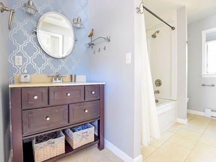 Wellfleet Cape Cod vacation rental - Master en suite bath w/a deep jetted soaking tub & washer/dryer.