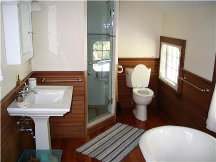 Woods Hole Woods Hole vacation rental - Master bathroom