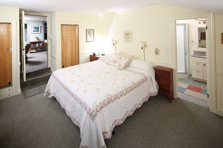 Chatham Cape Cod vacation rental - First floor king size bed master suite
