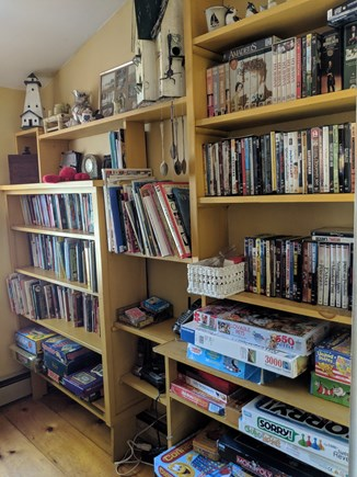 Eastham Cape Cod vacation rental - Games, Books, Movies
