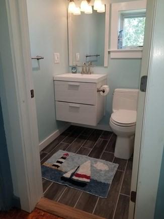Wareham MA vacation rental - New Upstairs bathtub and shower.
