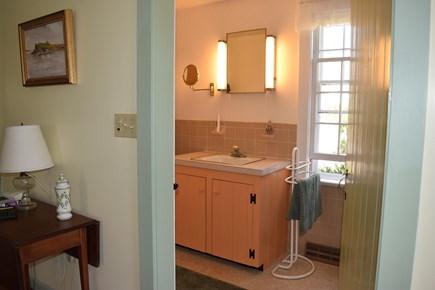 Centerville, Bordering West Hyannisport  Centerville vacation rental - Bathroom off the Master bedroom