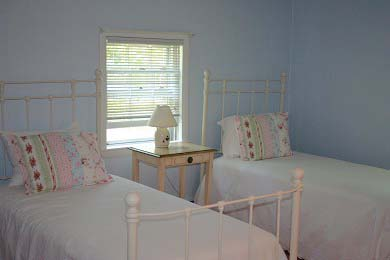 Mashpee, Popponesset Beach House Cape Cod vacation rental - Periwinkle bedroom