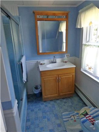 Dennisport Cape Cod vacation rental - Second floor full bathroom