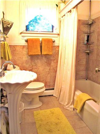 Brewster, Blueberry Pond Cape Cod vacation rental - main bath