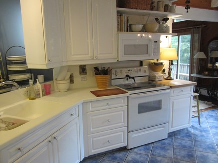 Brewster, Blueberry Pond Cape Cod vacation rental - ....open plan to living room.