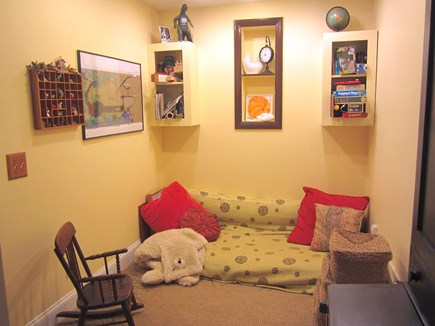 Brewster, Blueberry Pond Cape Cod vacation rental - ...kid nook with books and toys.