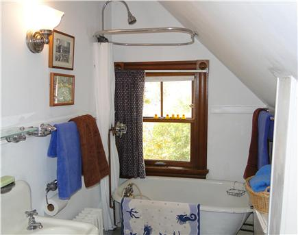 Woods Hole Woods Hole vacation rental - Upstairs bathroom