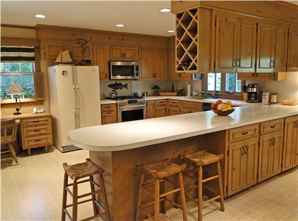 Centerville Centerville vacation rental - Large kitchen with breakfast bar seating