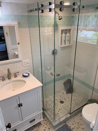 Dennis Port Cape Cod vacation rental - New bathroom
