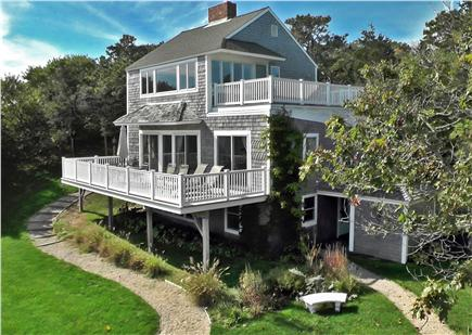 Click here to see a video of this Orleans vacation rental.