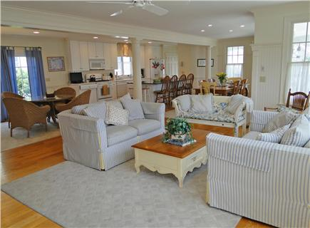 Mashpee vacation rental home in cape cod ma 02649 100 for Cape cod house plans open floor plan