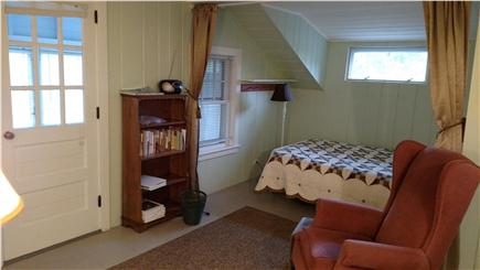Wellfleet central located Cape Cod vacation rental - Living room