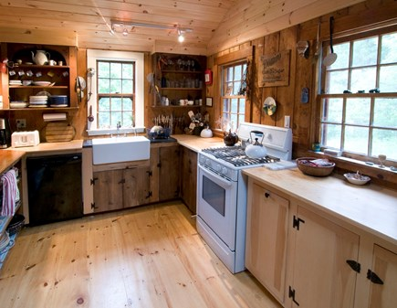 'The Back Woods,'  Wellfleet Cape Cod vacation rental - Kitchen