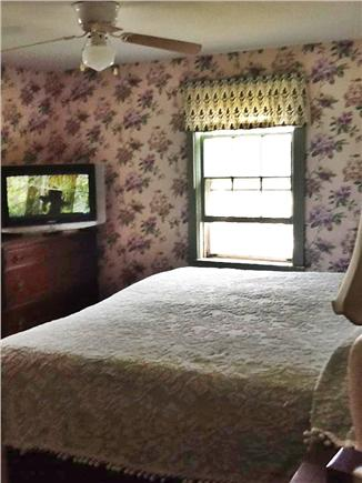 Wellfleet Cape Cod vacation rental - King Bedroom with Television First floor
