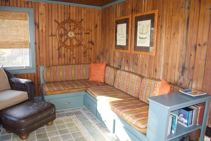 Chatham Cape Cod vacation rental - Cozy lookout den with comfortable seating