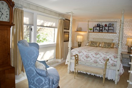 Chatham Cape Cod vacation rental - 2nd level 'beige' bedroom w/ private washroom