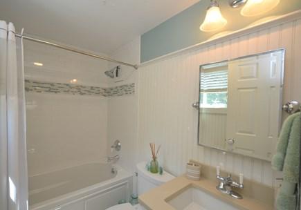 New Seabury, Mashpee New Seabury vacation rental - Upper level Master full bath.
