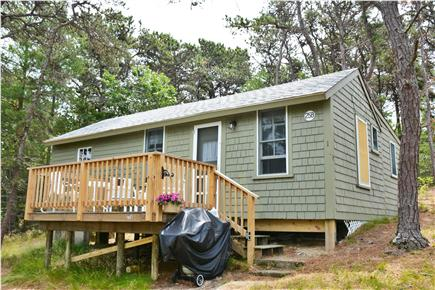 Wellfleet Cape Cod vacation rental - Front view of cabin