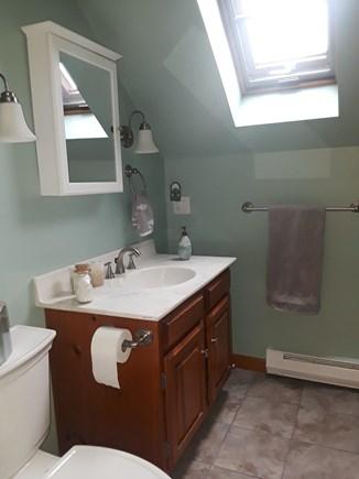 Wellfleet, Indian Neck Cape Cod vacation rental - Upstairs full bathroom