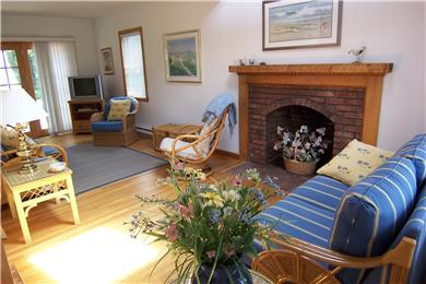 New Seabury/ Popponesset New Seabury vacation rental - Fireplaced living room