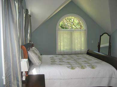 orleans cape cod vacation rental the master bedroom with king sleigh