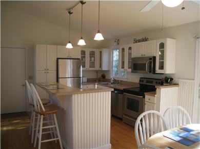 Osterville Osterville vacation rental - Kitchen w/Eat-Up Center Island