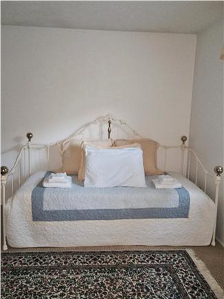 New Seabury, Mashpee New Seabury vacation rental - Trundle Bed (option @ twin/full)