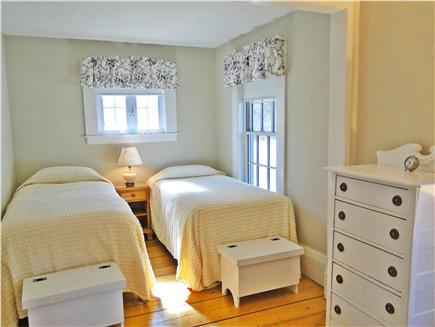 Brewster, old historic district Cape Cod vacation rental - First floor bedroom with twin beds, adjacent to bathroom