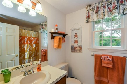 Centerville, Barnstable Centerville vacation rental - Upstairs bathroom with shower bath combo