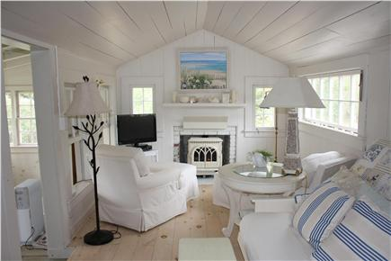 Dennis Bayside Cape Cod vacation rental - The family room is 20 ft. long with cathedral ceilings
