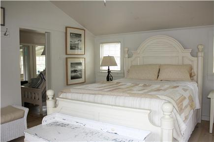 Dennis Bayside Cape Cod vacation rental - The 14x18 ft. bedroom has a new queen-sized bed