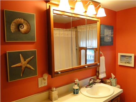 West Yarmouth Cape Cod vacation rental - Full bathroom adjacent to bedrooms