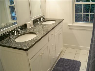 New Seabury, Popponesset, Mash New Seabury vacation rental - One of two updated full granite baths