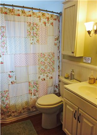 South Yarmouth/Bass River Cape Cod vacation rental - Full bathroom with tub