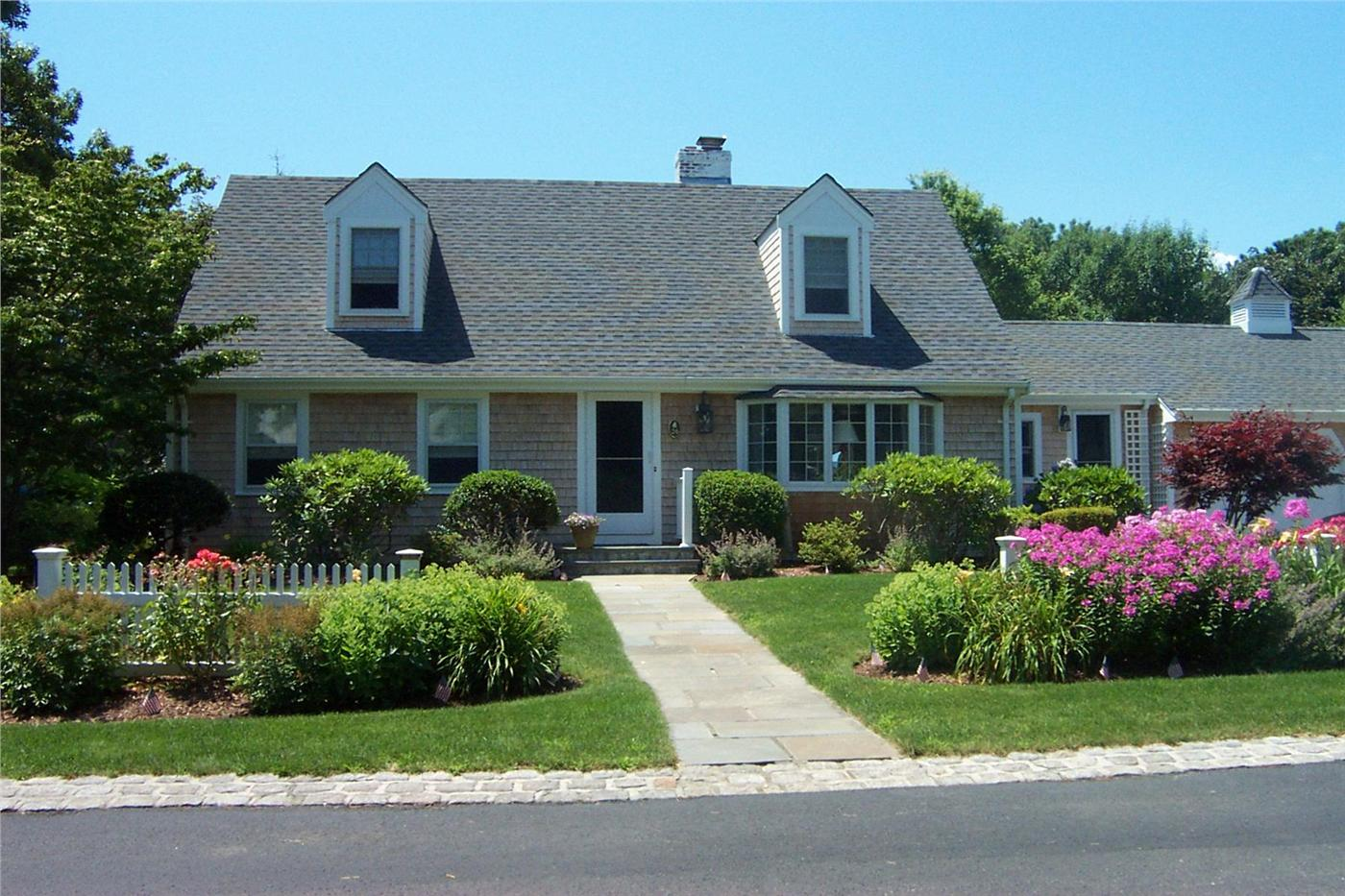 Harwich vacation rental home in cape cod ma 02671 just for Cabin rentals in cape cod ma