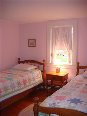 Barnstable Cape Cod vacation rental - Kids' Bedroom